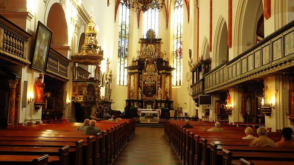 Zdjęcia: Oleśnica, Dolny Śląsk, bazylika mniejsza - ołtarz, POLSKA