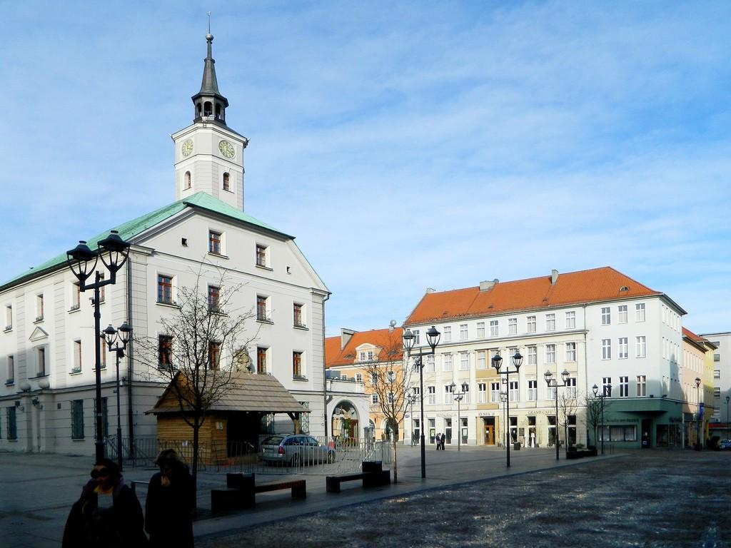 Zdjęcia: Gliwice, śląskie, Ratusz z fragmentem rynku., POLSKA