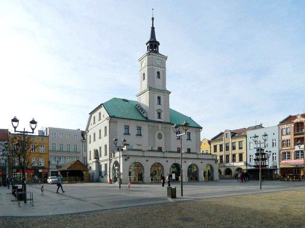 Zdjęcia: Gliwice, śląskie, Ratusz w całej okazałości, POLSKA