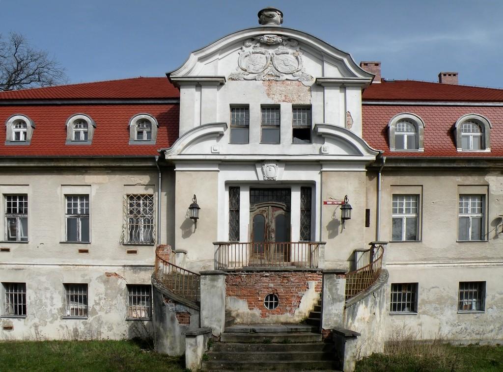 Zdjęcia: Wronów, opolskie, Fronton pałacu we Wronowie, POLSKA