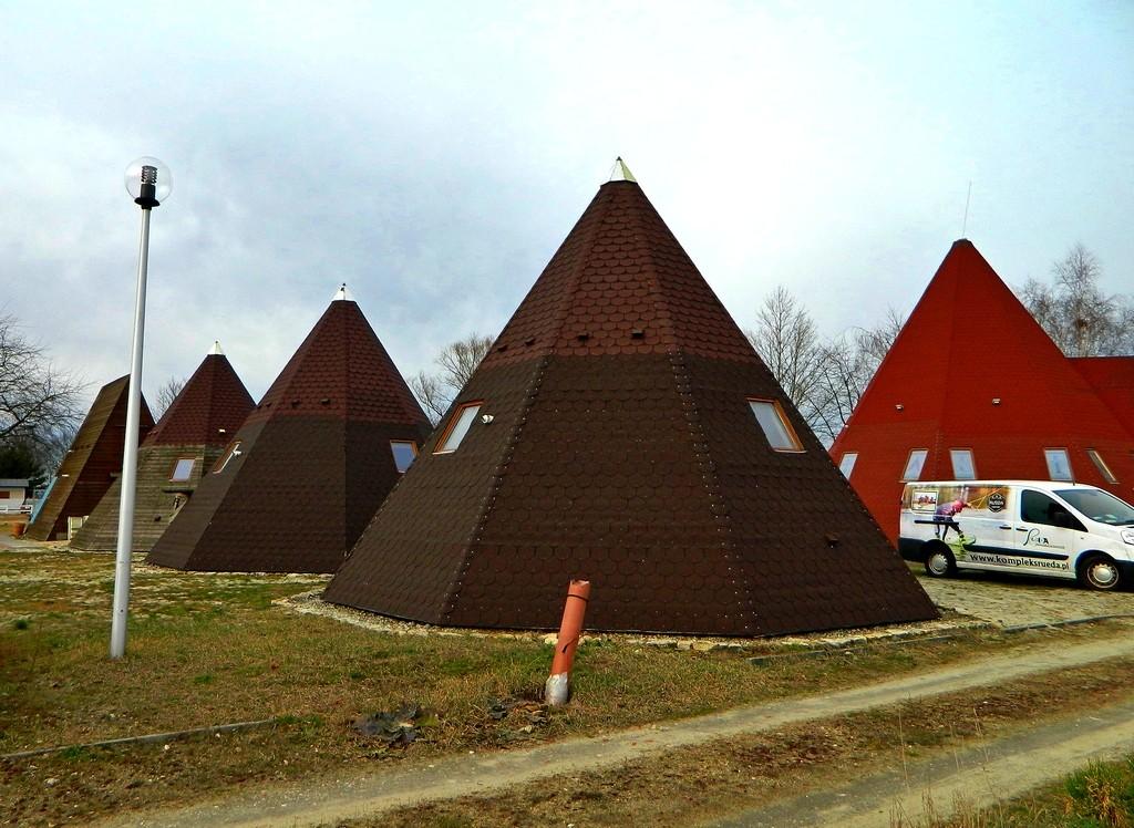 Zdjęcia: Januszkowice, opolskie, Wigwamy(domki), POLSKA