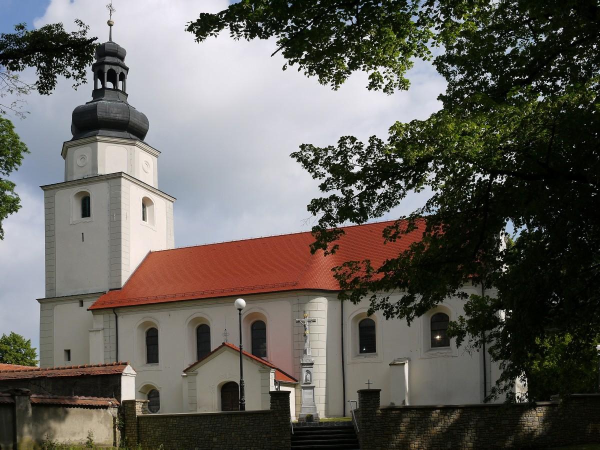 Zdjęcia: Żyrowa, opolskie, Świątynia obok pałacu, POLSKA