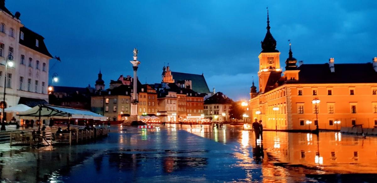 Zdjęcia: Warszawa, mazowieckie, lśniący plac, POLSKA