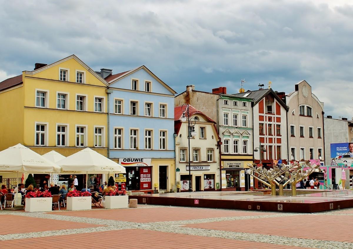 Zdjęcia: Bytów, województwo pomorskie, Rynek w Bytowie, POLSKA