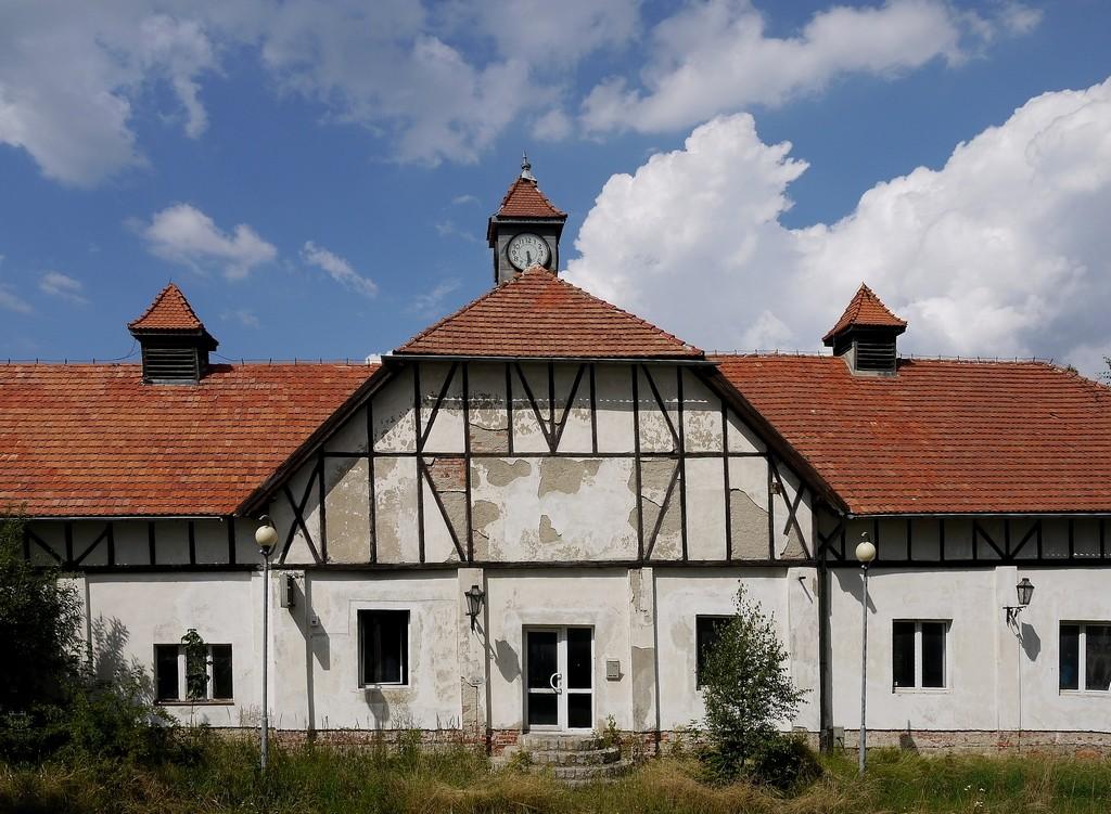 Zdjęcia: Wałbrzych, dolnoślaskie, Dawny budynek administracyjny., POLSKA