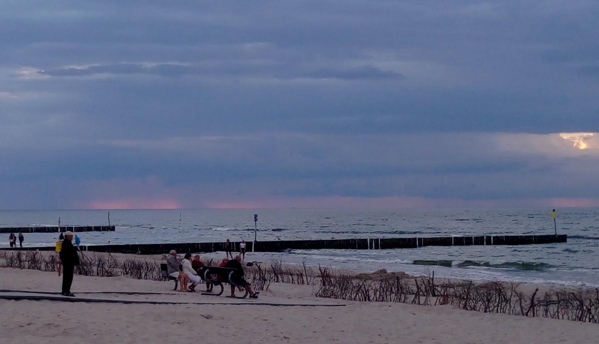 Zdjęcia: Kołobrzeg, Pomorze, Różowości na horyzoncie, POLSKA