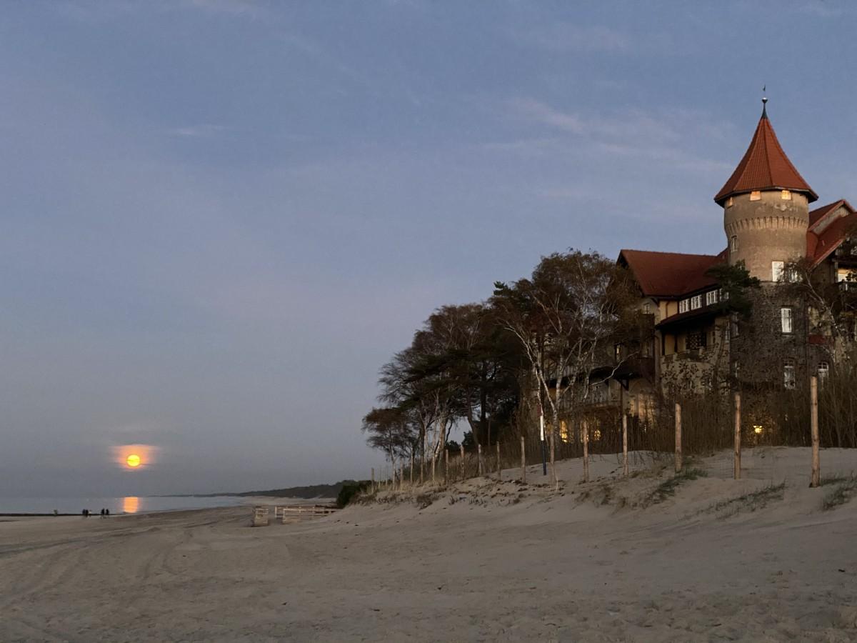 Zdjęcia: Łeba , Pomorze , Niebieski księżyc w Łebie , POLSKA