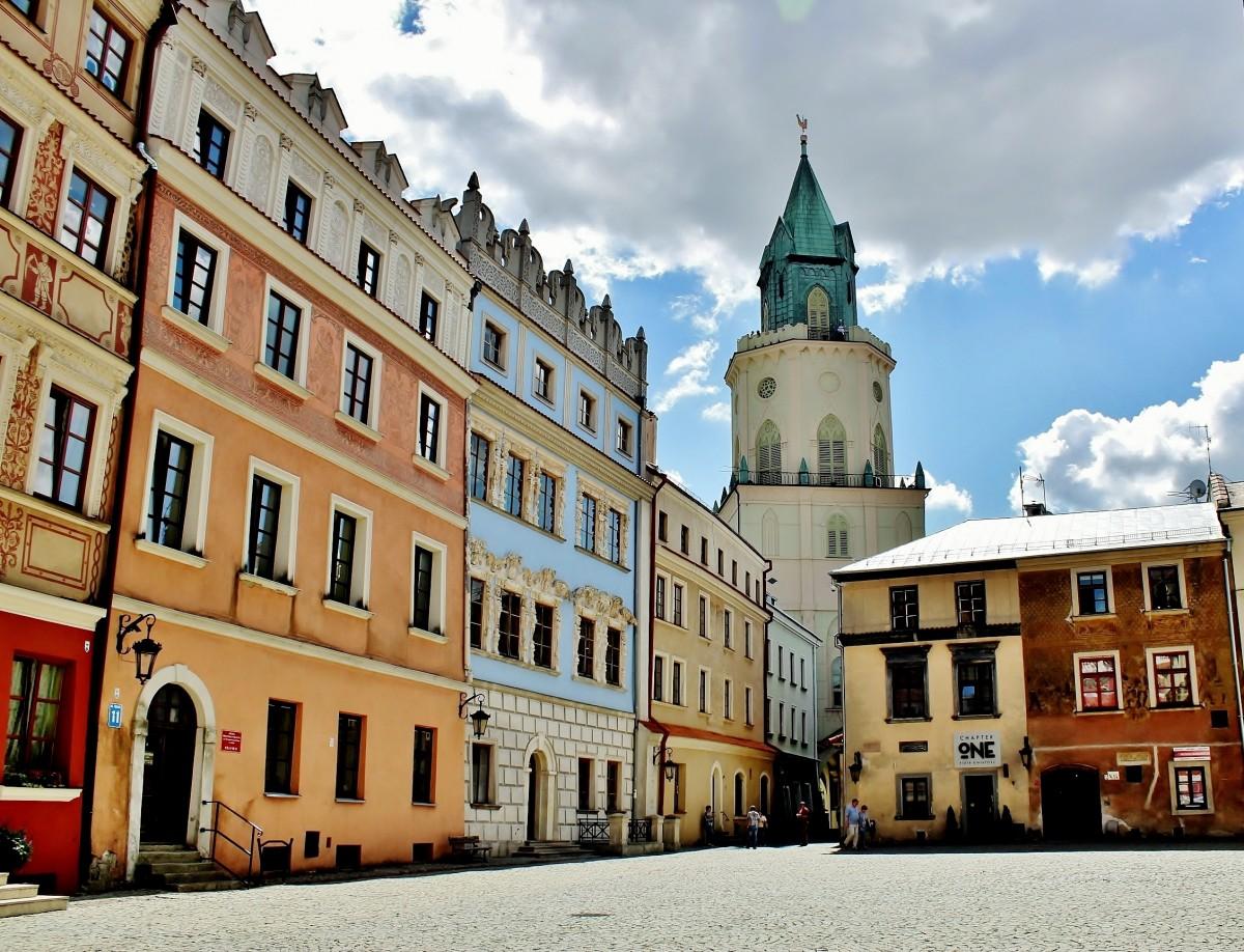 Zdjęcia: Lublin, województwo lubelskie, Wieża Trynitarska z XVII w. widziana z rynku, POLSKA