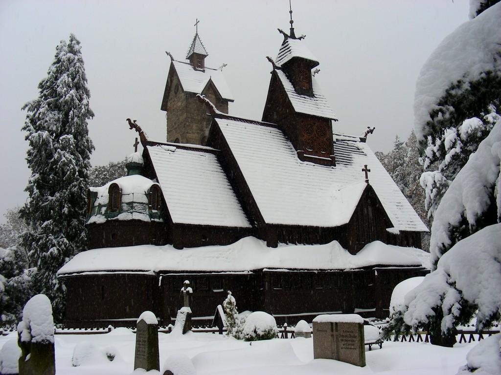 Zdjęcia: Karpacz, dolnoślaskie, Wang w śniegu, POLSKA