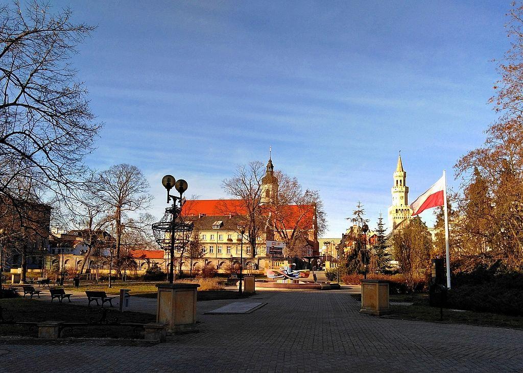 Zdjęcia: Opole, opolskie, Plac Wolności w grudniu., POLSKA