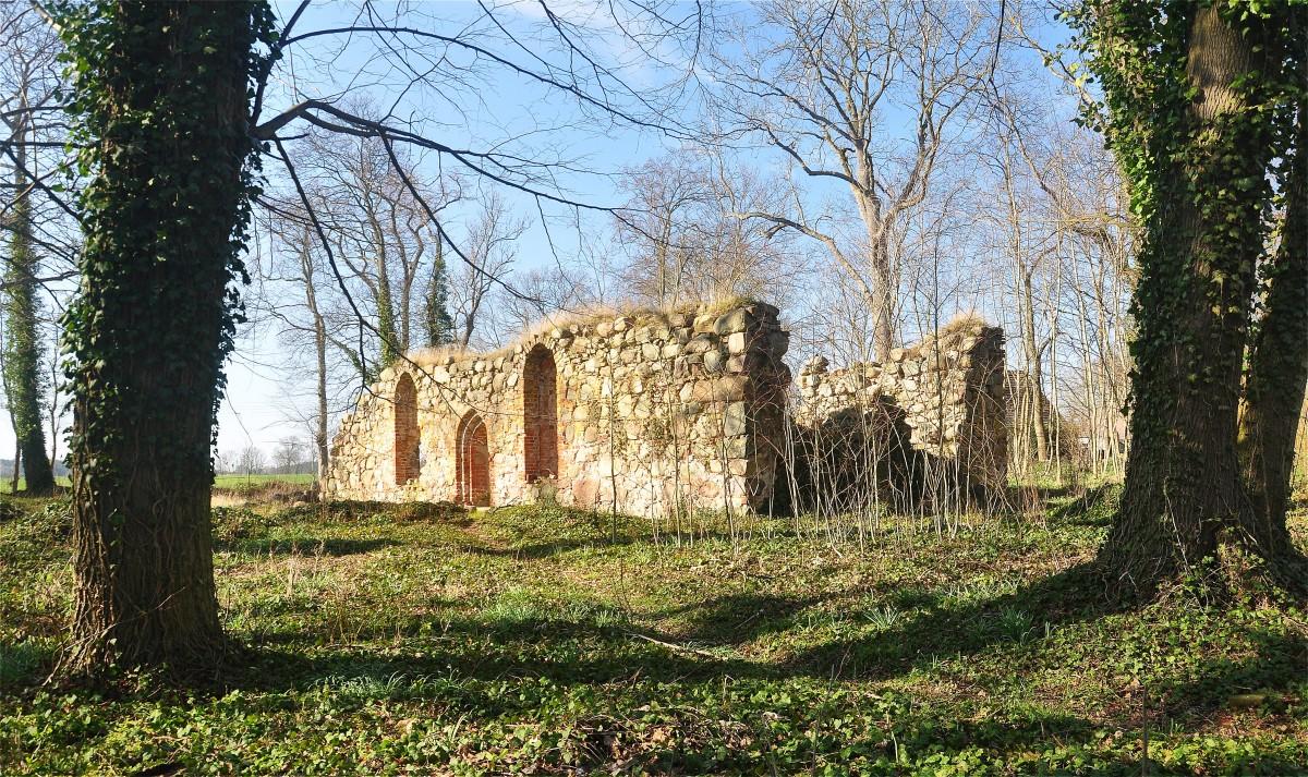 Zdjęcia: Radaczewo, zachodniopomorskie, Ruiny kościoła w Radaczewie, POLSKA