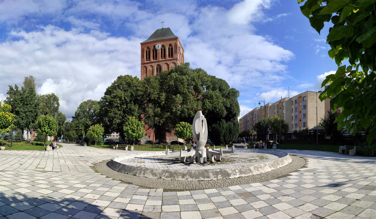 Zdjęcia: Choszczno, zachodniopomorskie, Kościół z XIV wieku w centrum Choszczna, POLSKA