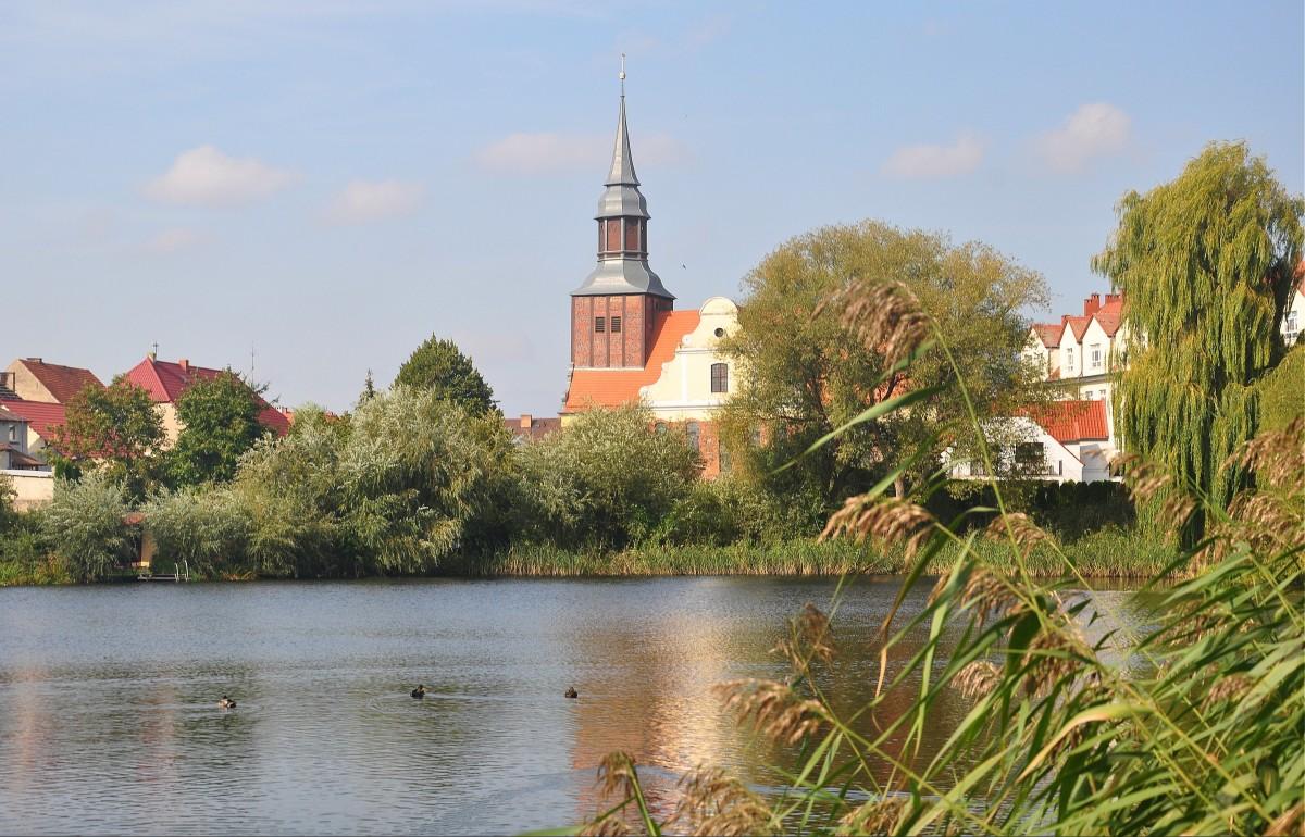 Zdjęcia: Pełczyce, zachodniopomorskie, Jezioro Stawno i widok na Pełczyce, POLSKA