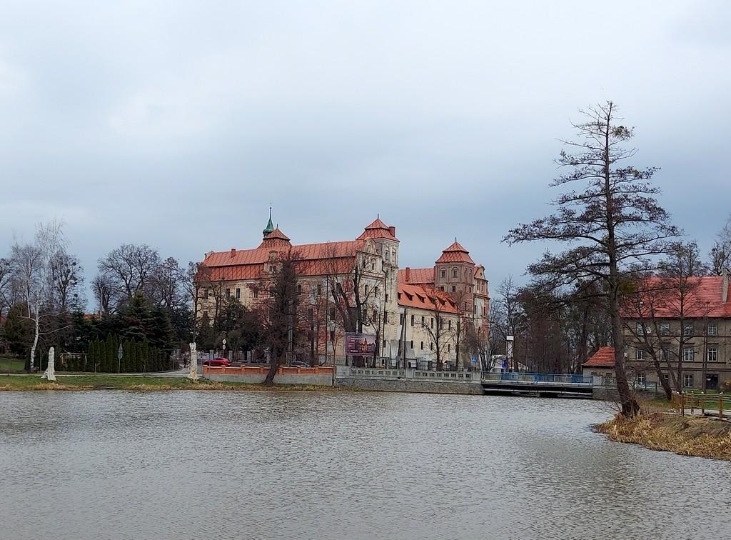 Zdjęcia: Niemodlin, opolskie, Zamek, widok z wyspy, POLSKA