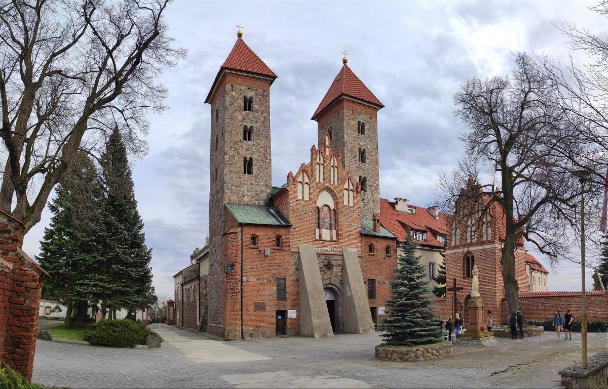 Zdjęcia: Czerwińsk nad Wisłą, mazowieckie, Bazylika w Czerwińsku nad Wisłą, POLSKA