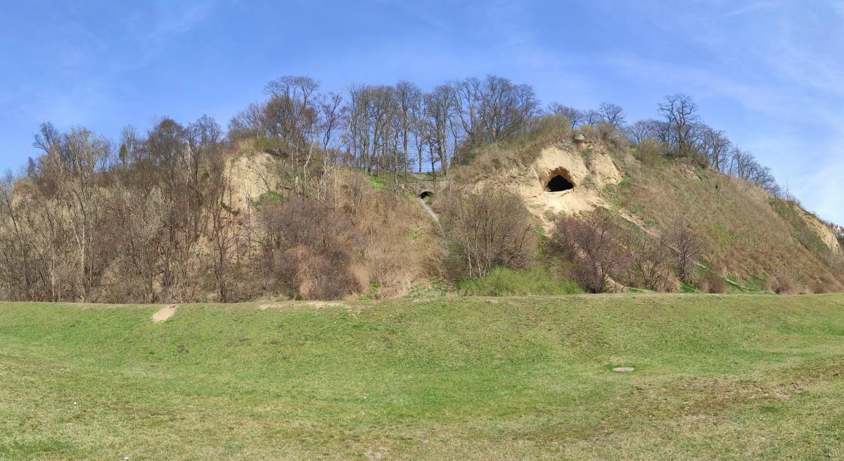 Zdjęcia: Płock, mazowieckie, Jaskinia Morusa, POLSKA