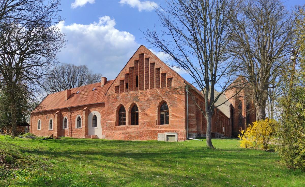 Zdjęcia: Bierzwnik, zachodniopomorskie, Klasztor pocysterski z XIII wieku w Bierzwniku , POLSKA