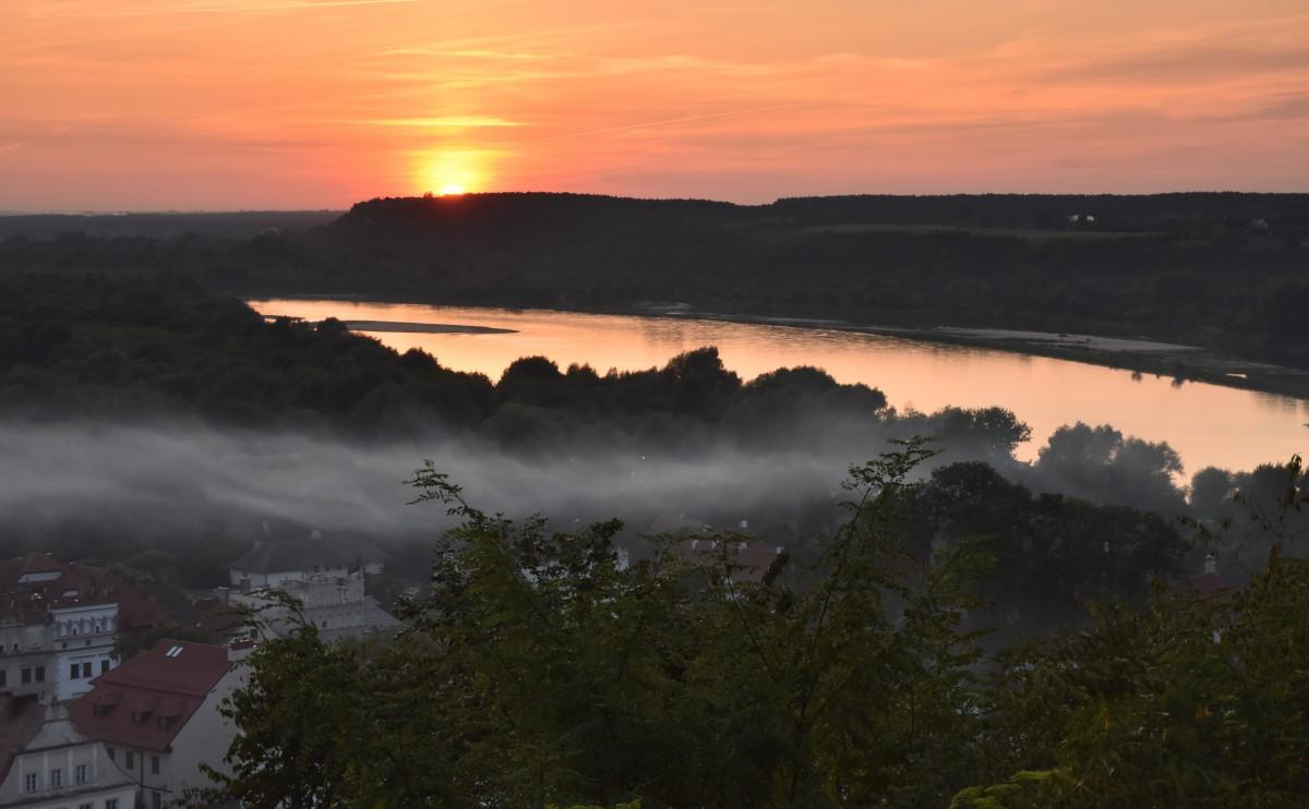 Zdjęcia: Kazimierz Dolny, Małopolska, Zachód słońca w Kazimierzu, POLSKA