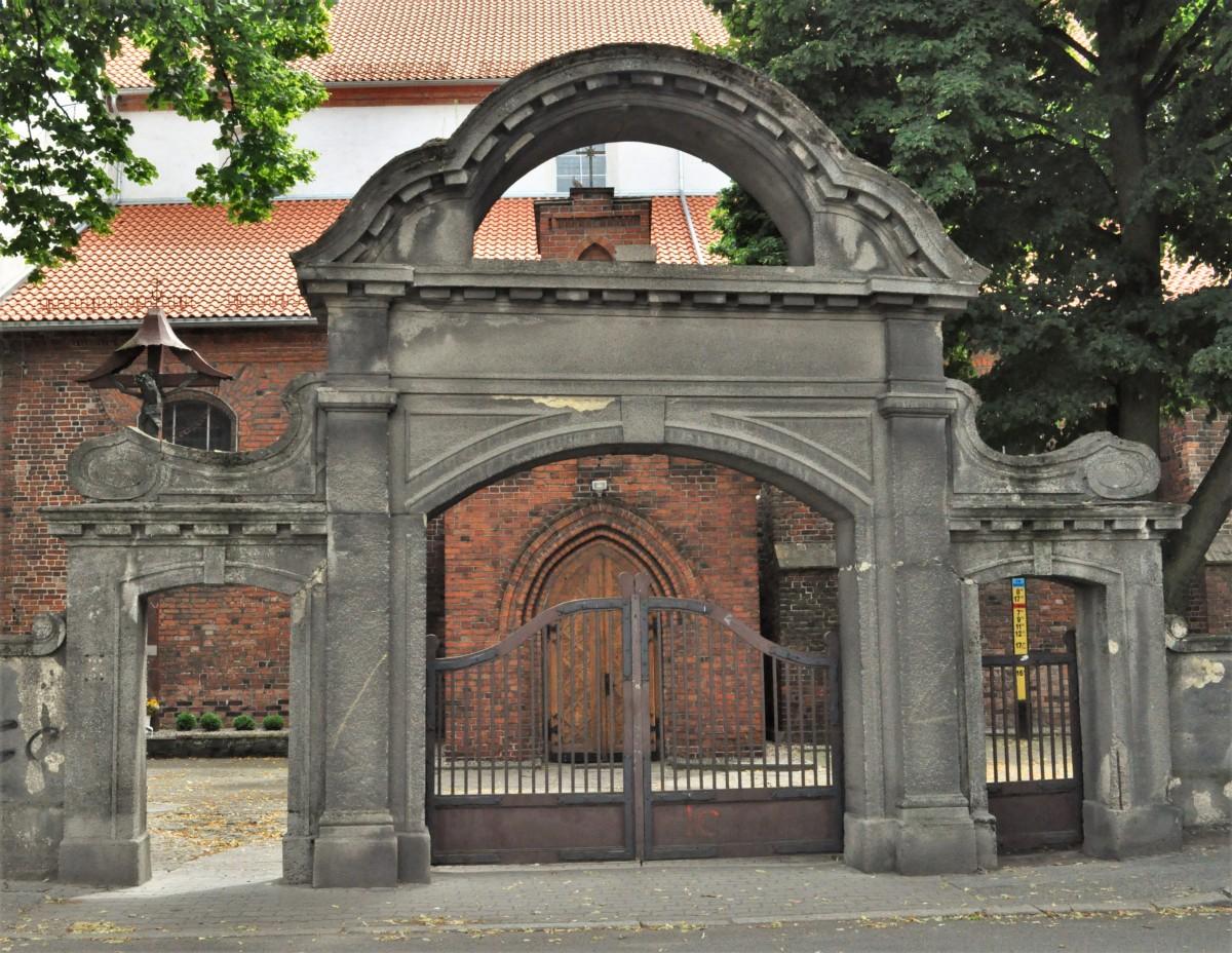 Zdjęcia: Inowrocław, Kujawsko Pomorskie, Inowrocław, Kościół pw. św. Mikołaja, POLSKA