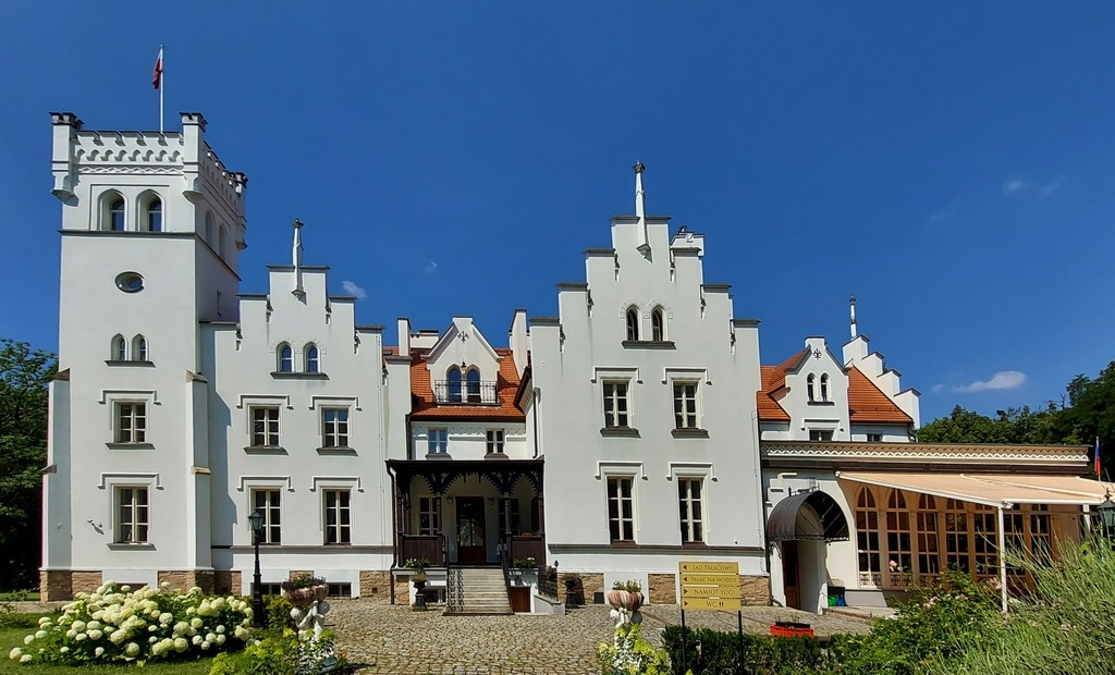 Zdjęcia: Sulisław, opolskie, Pałac od strony parku, POLSKA