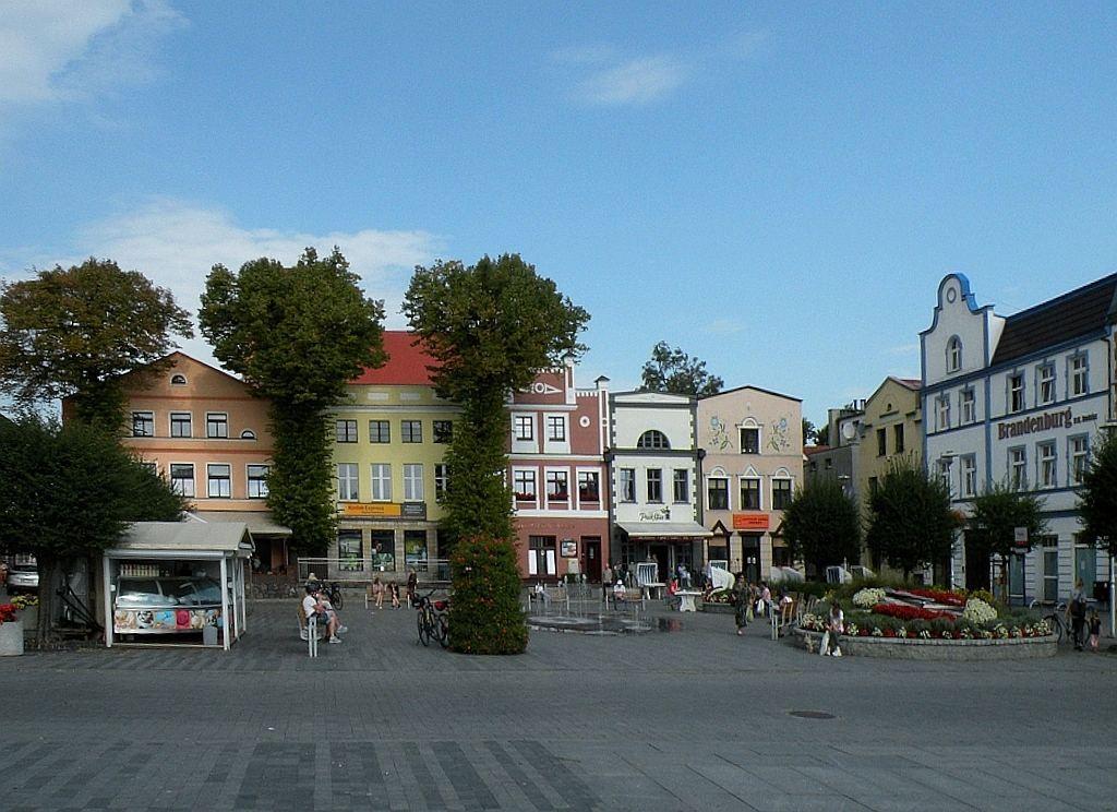 Zdjęcia: Puck, pomorskie, Fragment rynku w Pucku, POLSKA