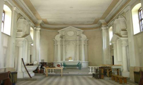 Zdjęcie POLSKA / Mazowsze / Puszcza Kampinoska / Wnętrze kościoła w Lipkowie