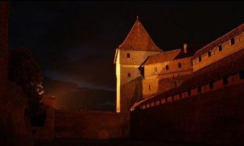 Zdjęcie POLSKA / Pomorskie / Malbork / Zamek nocą