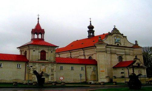 Zdjecie POLSKA / Roztocze / Krasnobród / barokowy kościół