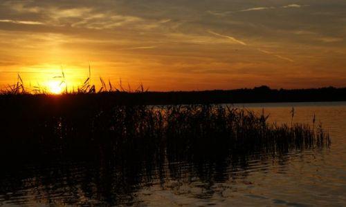Zdjecie POLSKA / - / Boszkowo / Zachód słońca nad jeziorem