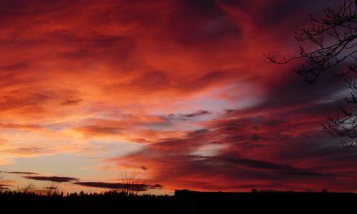 Zdjęcie POLSKA / Bieszczady / Lesko / zachód słońca w Lesku