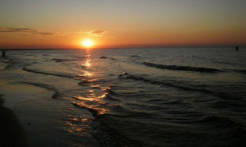 Zdjecie POLSKA / Pomorskie / Jantar / Nur słońca do morza
