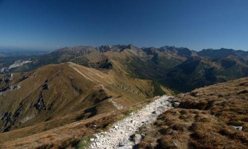 Zdjęcie POLSKA / Czerwone Wierchy / widok z Małołącznika 2096 m n.p.m. / ostatni ciepły weekend w Tatrach