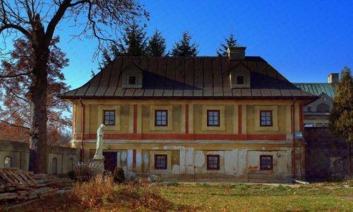 Zdjęcie POLSKA / Świętokrzyskie / Szewna / Plebania