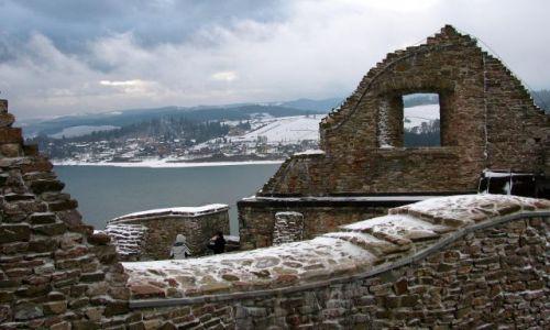 Zdjecie POLSKA / Pieniny-Gorce / Czorsztyn  / widok z zamku Czorsztyn