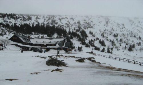 Zdjecie POLSKA / - / Okolice Karpacza / SchroniskoSamotnia zimą