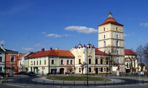 Zdjecie POLSKA / Podkarpacie / Leżajsk /  Ratusz i wieża obronna