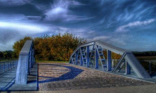 Zdjecie POLSKA / łódzkie / ok. Maurzyc / Most na Słudwi