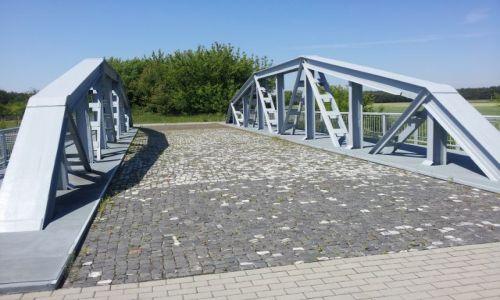 Zdjecie POLSKA / Łódzkie / Maurzyce / Pierwszy na świecie most spawany Maurzyce pod Łowiczem