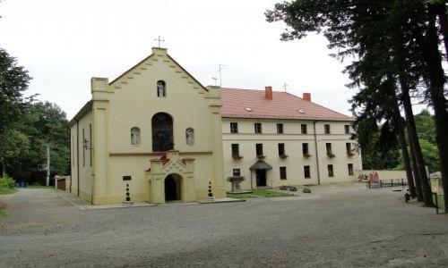 POLSKA / Prudnik / Klasztor Franciszkanów / W tym klasztorze więziono kardynała