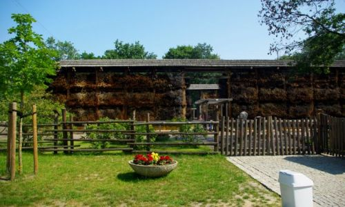 Zdjęcie POLSKA / Mazowsze. / Konstancin Jeziorna, Park Zdrojowy. / Tężnia w Konstancinie.