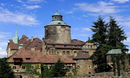 POLSKA / Dolny �l�sk / Le�na nad rzek� Kwis� (Pog�rze Izerskie) / warowne mury zamku Czocha