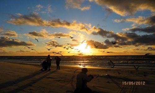 Zdjecie POLSKA / zachodniopomorskie / Niechorze / piękno wietrznego wieczoru