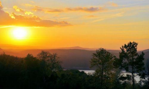 Zdjęcie POLSKA / - / Solina / Zachód słońca nad jeziorem Solińskim