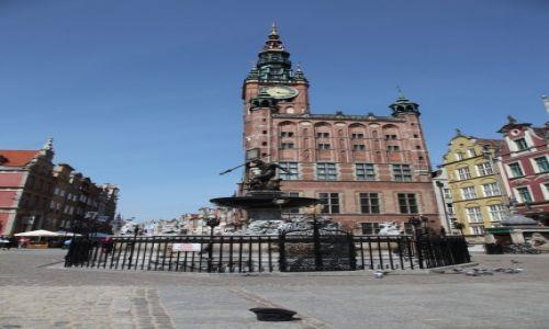 POLSKA / Pomorze / Gdańsk wiosną / Kto zgubił melonik?