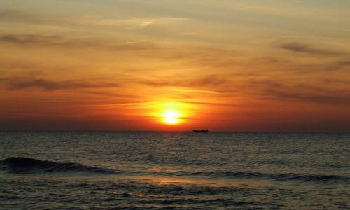 Zdjęcie POLSKA / pomorze / Rowy / pocztówka znad morza