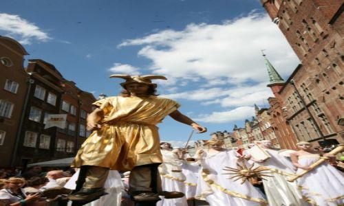 POLSKA / Pomorze / Gdańsk, Jarmark Św. Dominika w Gdańsku, parada / Hermes, patron kupców, otwiera paradę