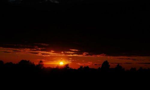 Zdjęcie POLSKA / Kaszuby / Okolice Kartuz / Kaszuby, zachód słońca