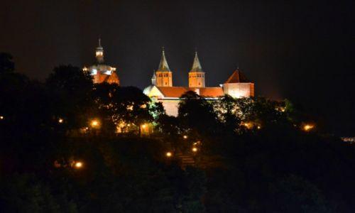 Zdjecie POLSKA / Mazowieckie / Płock / Wzgórze Tumskie nocą