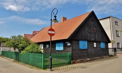 POLSKA / Pomorze / Jastarnia / Jastarnia, zabytkowa chata kaszubska