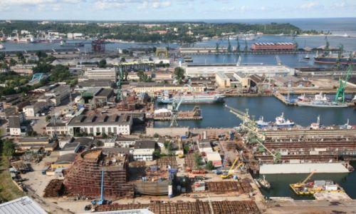 Zdjecie POLSKA / Pomorze / Taras Sea Towers w Gdyni / Port Gdynia, widok z Sea Towers